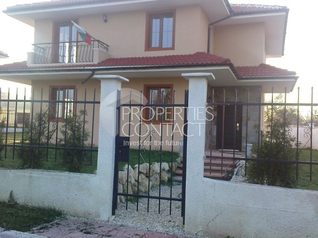 Newly built houses near the sea - Two storey house 4 km from the sea