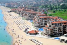 We offer for sale a large apartment on the first line of the sea in Obzor in the complex Obzor Beach Resort