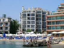 We offer for sale apartments in a luxury complex on the beach in Bulgaria in Sunny Beach in the Dolphin Coast complex