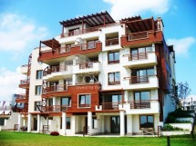 "Apartments on the beach in the resort town of Tsarevo - complex ""Southern Paradise"""