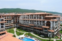 Excellent resale property in the city of Saint Vlas! Three-room apartment for sale in Bulgaria in the complex Olymp