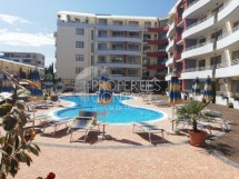 Three-room apartment for sale in the Central Plaza complex at a bargain price in Sunny Beach in Bulgaria