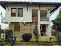 House for sale with 3 bedrooms and pool in Bulgaria, Aleksandrovo village, 10 kilometers from the sea