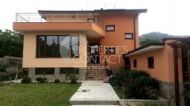 We sell a newly-built house with  yard in Hissar, Bulgaria