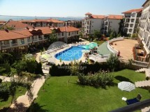 Spacious furnished studio for sale in Triumph complex, 200 meters from the marina Dinevi in Saint Vlas, Bulgaria