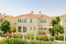 We offer for sale a three-bedroom villa with a large plot in Victoria Residence, Pomorie, Bulgaria