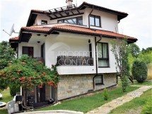 Three-bedroom house for sale in Bay View Villas complex in Kosharitsa, Bulgaria