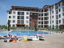 Furnished two-bedroom apartment for sale in Apollo complex, 100 m from the beach in Ravda, Bulgaria